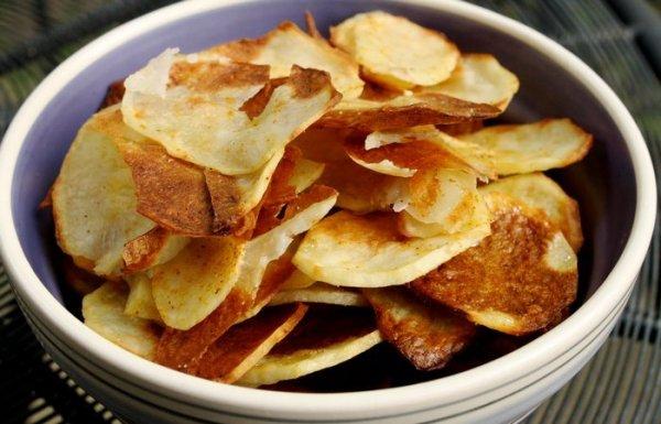 Невредные чипсы за 10 минут, которые можно давать без опаски детям