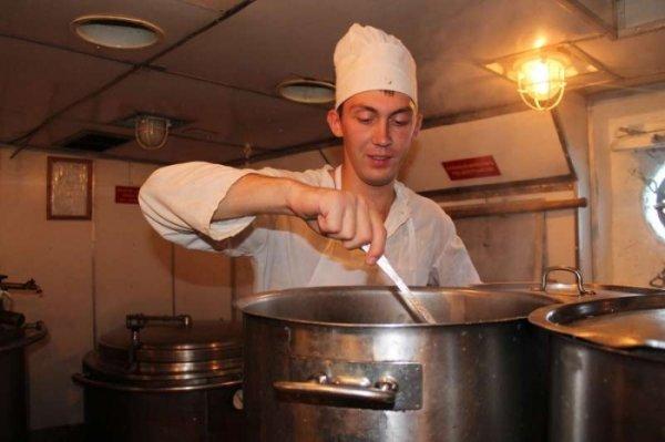 Почему моряки-подводники на службе едят заспиртованный хлеб