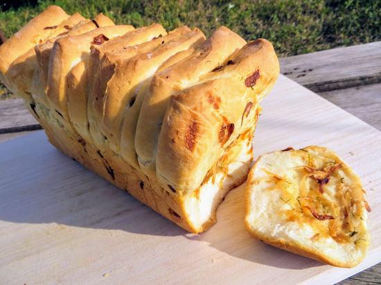 Вкусная и необычная выпечка: Отрывной луковый хлеб. (Фоторецепт)