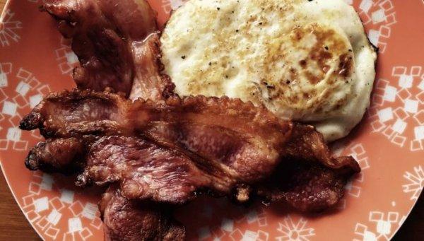 Как приготовить великолепный бекон на завтрак