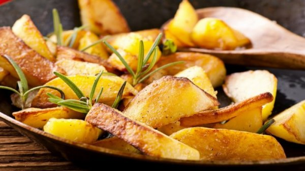 Простые советы по приготовлению картошки: Чтобы жареная хрустела и пюре без комочков!