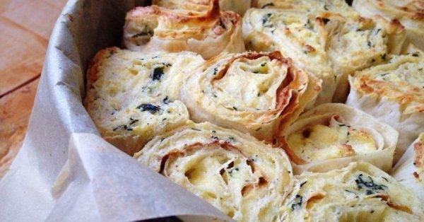 Ароматный пирог из лаваша с сыром