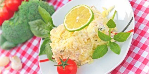 10 салатов с ветчиной в будни и на праздничный стол