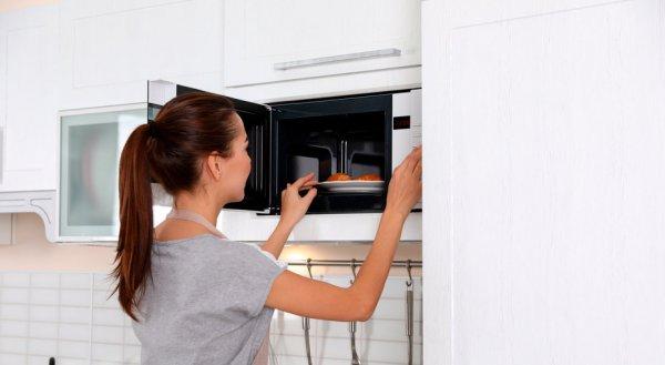 Что можно сделать с помощью микроволновой печи?  15 лайфхаков, которые вы должны знать