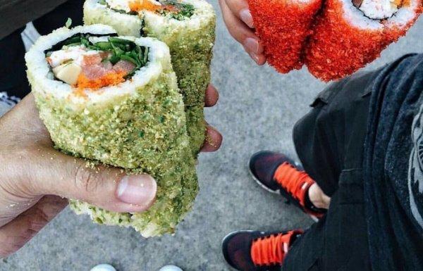 Не вкусно, но модно: Подборка сомнительных «вкусностей», которые едят не для удовольствия