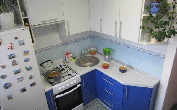 Какие ошибки нельзя допускать при оформлении угловой кухни, чтобы потом не болела спина
