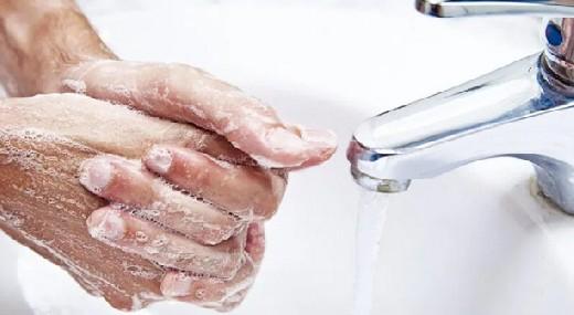 Людям с кожными заболеваниями рассказали, как правильно дезинфицировать руки