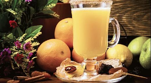 Врачи поделились рецептом целебного напитка, который защищает легкие от вирусов