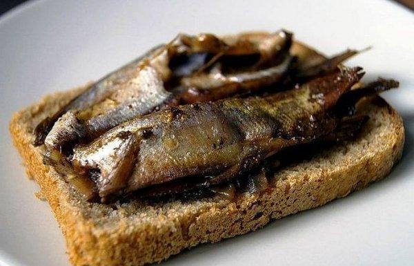 Что такое «шпроты»: разновидность рыбы или способ ее приготовления
