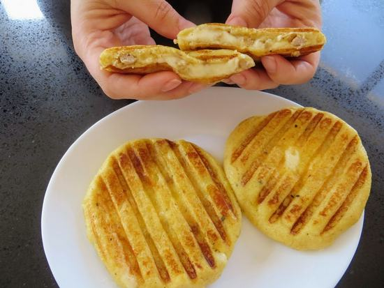 Отличная идея на завтрак: Картофельные бутерброды с фаршем и сыром