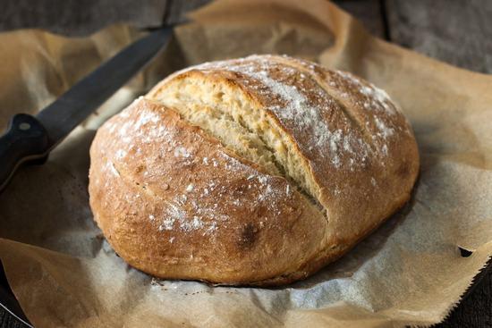 Простой рецепт домашнего хлеба без закваски и замеса
