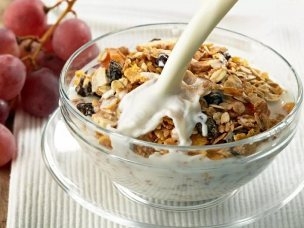 5 вредных завтраков, которые во время самоизоляции подарят лишние сантиметры на талии
