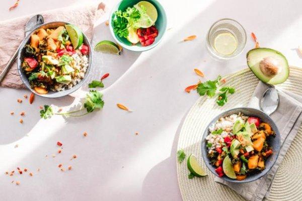 Как быстро приготовить вкусный и полезный ужин: 3 простых блюда для всей семьи