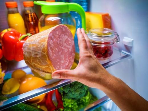 Постоянно хочется есть? 5 продуктов, которые помогут справиться с этим