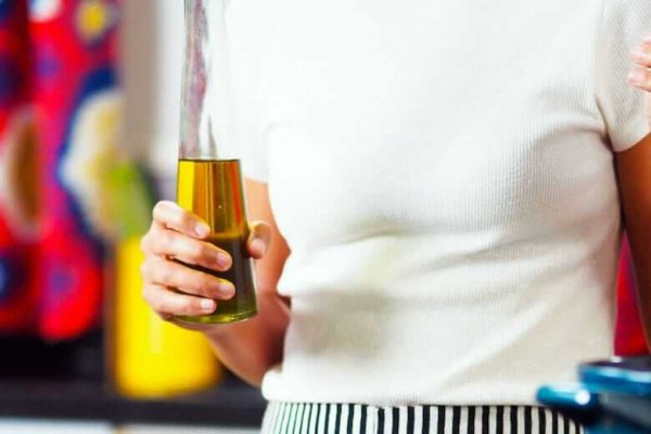 10 способов применения оливкового масла, которые не имеют никакого отношения к приготовлению пищи