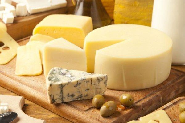 Как используя простые лайфхаки проверить сыр на натуральность и убедиться в пользе продукта