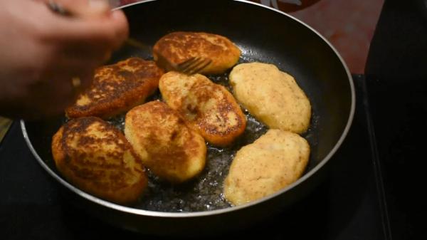 Как вкусно приготовить картофельные зразы с мясной начинкой