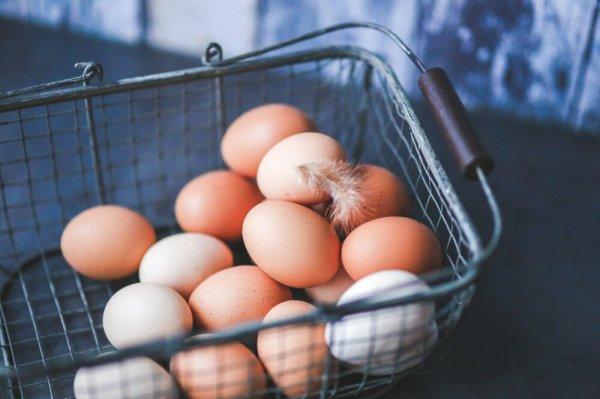 Врачи назвали простые продукты, которые защищают легкие от коронавируса