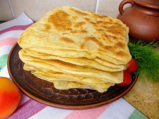 Слоеные лепешки вместо хлеба, для бутербродов и просто к чаю