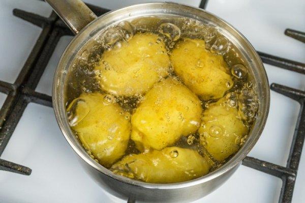 4 лайфака, как быстро сварить картофель, если время поджимает