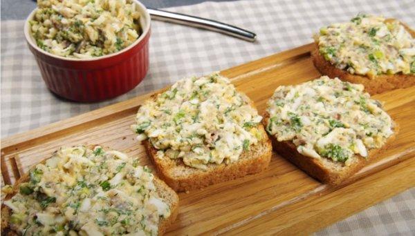 7 простых намазок на хлеб, для приготовления не надо долго стоять у плиты