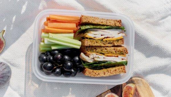 Полезный сэндвич с овощами