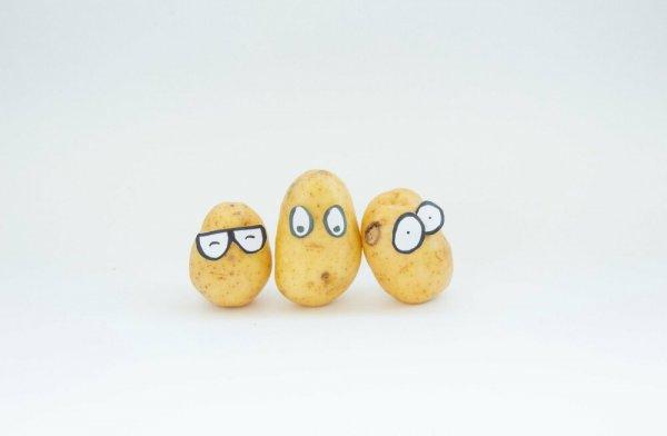 Диетолог рекомендует убрать картофель из салата оливье