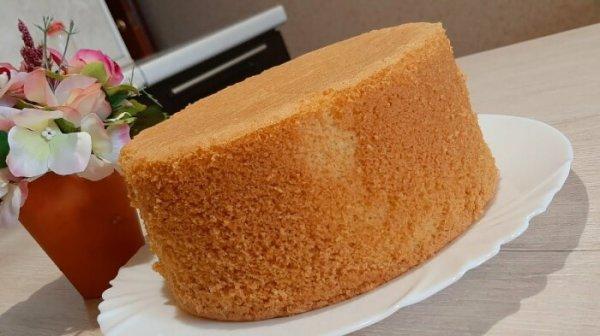 Как приготовить пышный бисквит без разрыхлителя, чтобы он не осел