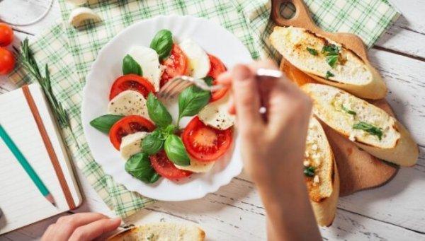 Поменяйте местами 6 продуктов и сэкономьте 700 калорий в день
