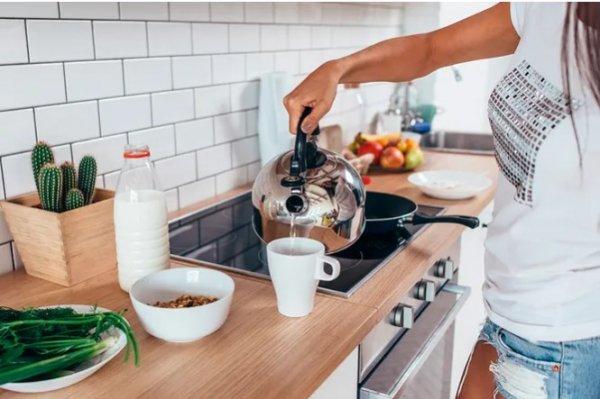 Можно ли кипятить воду в чайнике несколько раз? Мифы и правда