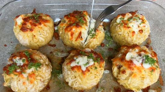 Картофельные шарики с мясом и грибами