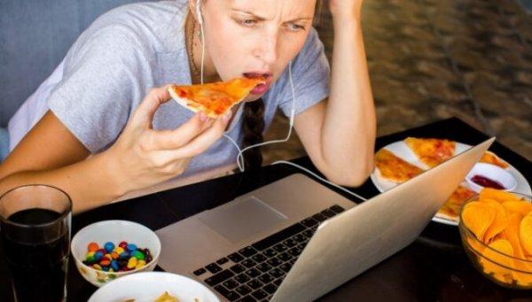 Советы, как обуздать ненасытный аппетит во время сидения дома