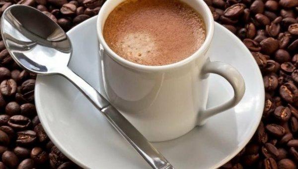 Чашка кофе за полчаса до тренировки помогает похудеть. Но не всем