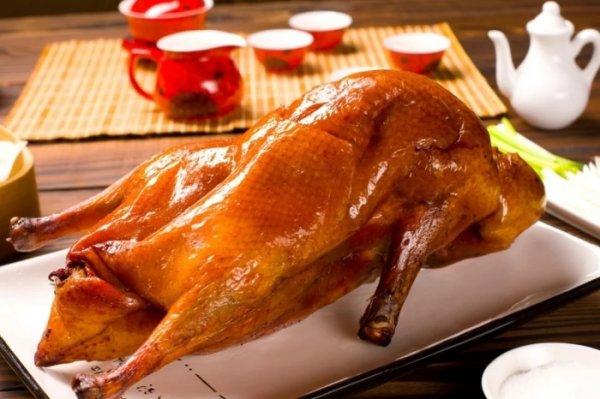 Почему многие разочаровываются, пробуя утку по-пекински: нюансы приготовления