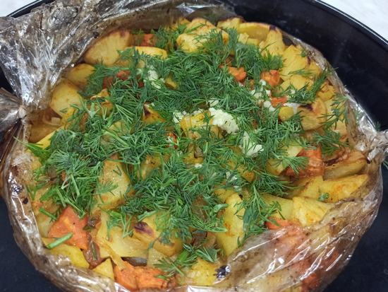 Ленивая картошка в рукаве
