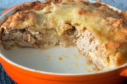 Пирог из лаваша с курицей, сметанной заливкой и сырной корочкой. (Фоторецепт)