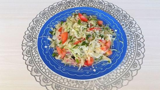 Простой рецепт овощного салата из свежей капусты