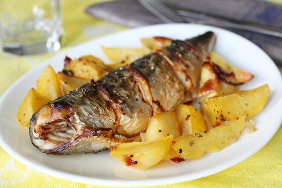 Скумбрия, запечённая с картошкой