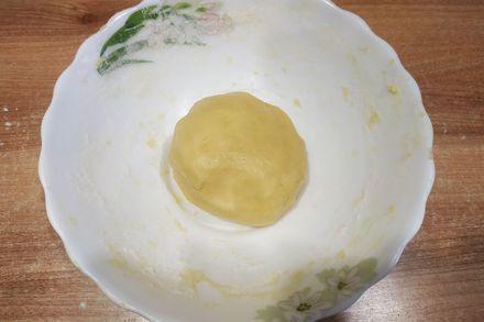 Пирог с яблочной начинкой и воздушным меренговым слоем