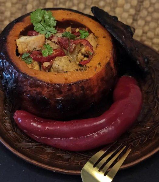 Мясо в тыквенном горшочке
